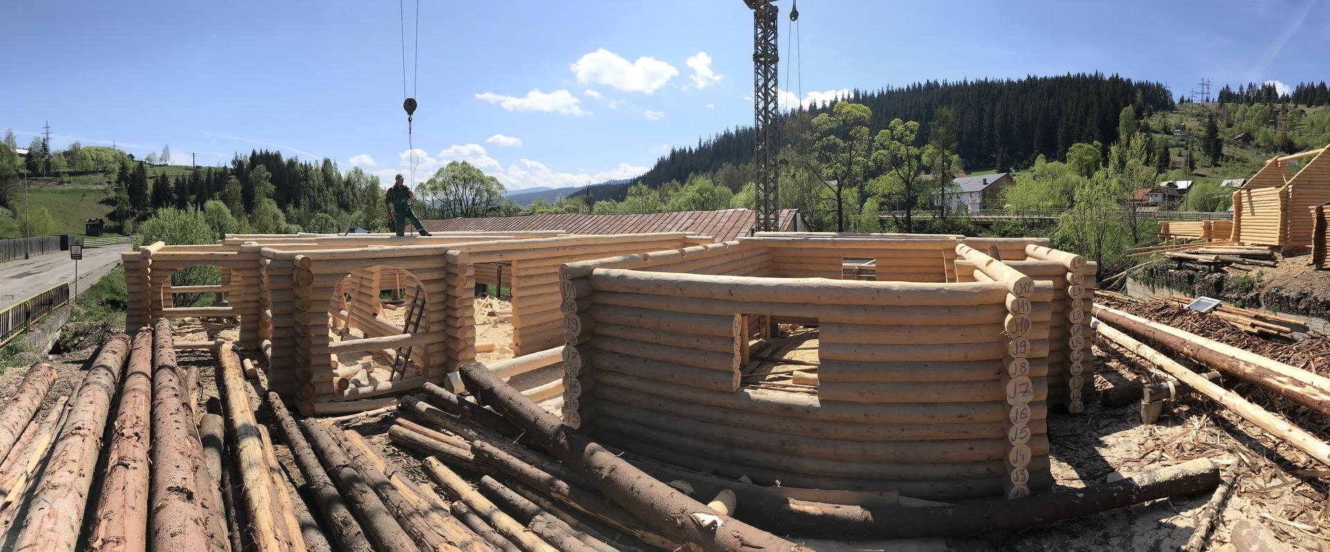 Log Home Firmă Construcții Case și Cabane Moderne Din Lemn Rotund E Iasi